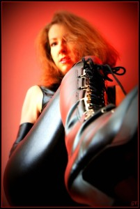 Mistress Ayn boot in face